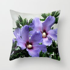 Hibiskus Throw Pillow