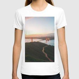 Golden Gate Bridge At Dawn - San Francisco, CA T-shirt