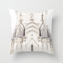 kolomenskoye, moscow, russia | the church of the ascension. minimalist architectural photography Throw Pillow