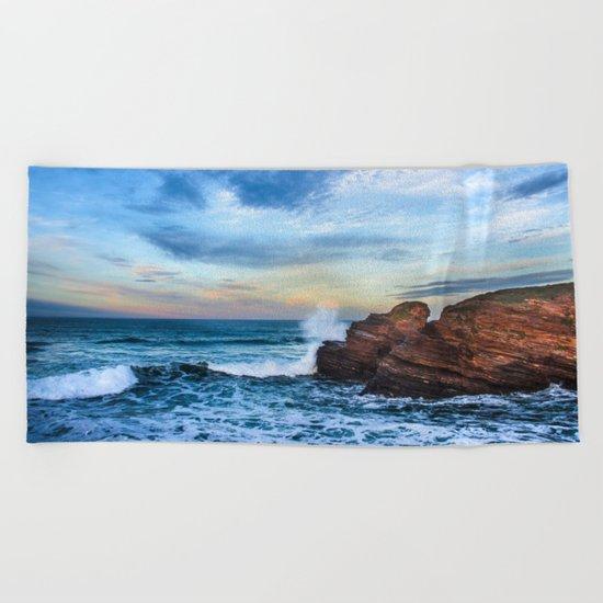 The surf Beach Towel