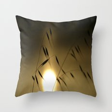 Pregadeu Throw Pillow