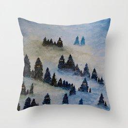 Trollen i snotackta skogen Throw Pillow