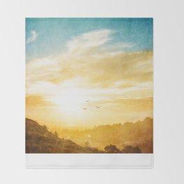 Breaking over the horizon Throw Blanket