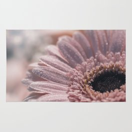 Romantic pink daisy flower with sparkling glitter droplets Rug