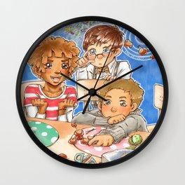 Kastaniengalaxie Wall Clock