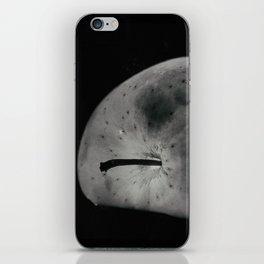 (L)una Mela iPhone Skin