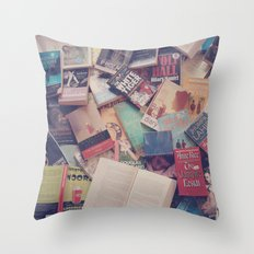 Book mania! (2) Throw Pillow