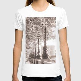 Leafy Promenade T-shirt