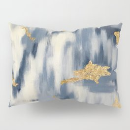 Blue and Gold Ikat Pattern Abstract Kissenbezug