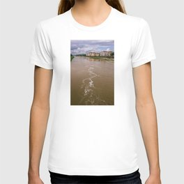 City of Florence, crossed by the Arno river. Typical Renaissance buildings of the city of Michelange T-shirt