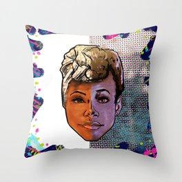 Nola y Nola Throw Pillow