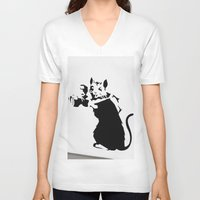 banksy V-neck T-shirts featuring Banksy Rat Photographer Streetart Black&White by Premium