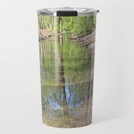 Der Fluss im Wald Travel Mug