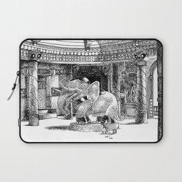 Le ménage au Temple / Sweeping the Temple's floor Laptop Sleeve