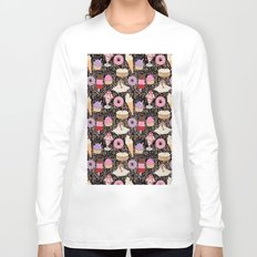 Sweet treats pattern with ice cream and doughnuts, donuts Long Sleeve T-shirt