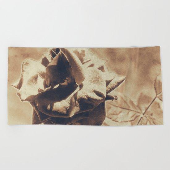 Vintage dreams, rose Beach Towel