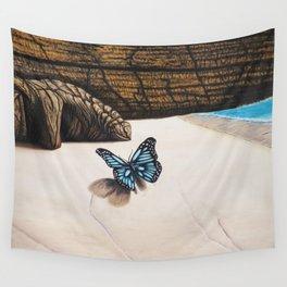 Le papillon de l'amour bleu azur Wall Tapestry