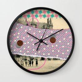 Saluti Dal Futuro 088 Wall Clock