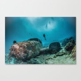 shipwreck and diver Canvas Print
