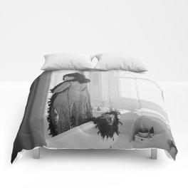 Voyeur Comforters