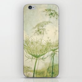 Sanctuary -- White Queen Anne's Lace Meadow Wild Flower Botanical iPhone Skin
