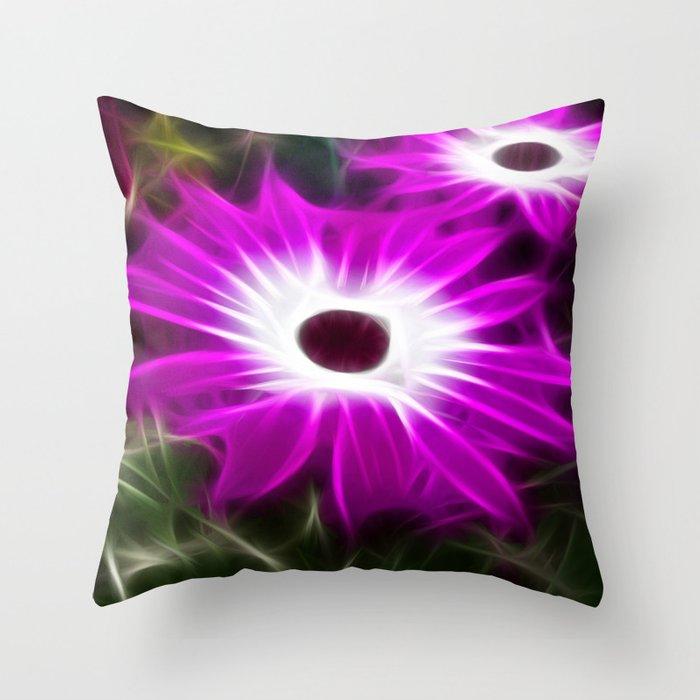 Senetti Daisy Throw Pillow