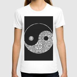 Perfect Balance 2 - Yin and Yang Stone Rock'd Art by Sharon Cummings T-shirt