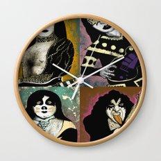 The Great Kiss Wall Clock