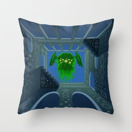 Cthulhu is rising Throw Pillow