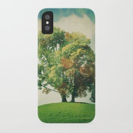L'arbre iPhone Case