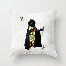 PIQUE DAME Throw Pillow
