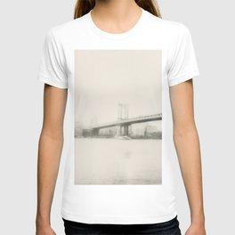 Manhattan bridge T-shirt