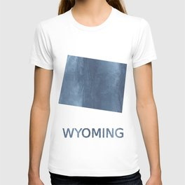 Wyoming map outline Dark blue clouded watercolor T-shirt