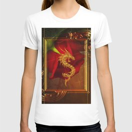 Wonderful chinese dragon, gold colors T-shirt