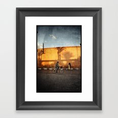 vélocipède sunset Framed Art Print