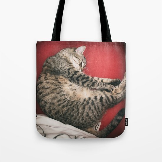 The cat red Tote Bag