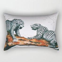 affrontement Rectangular Pillow