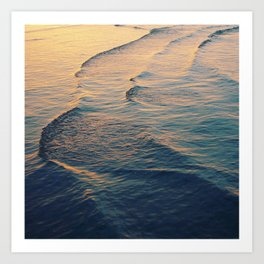 Waves at dusk Art Print