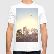 A Hawks View White MEDIUM Mens Fitted Tee