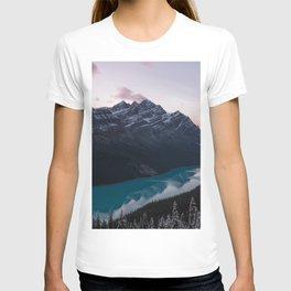 Peyto Lake at dusk T-shirt