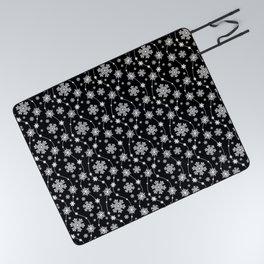 Festive Black and White Snowflake Pattern Picnic Blanket