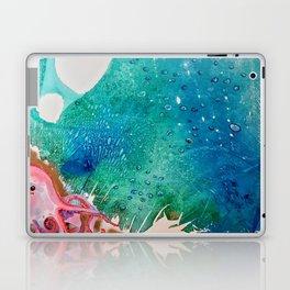 Environmental Series #5 Rare Octopus Marvels at the Ocean Laptop & iPad Skin