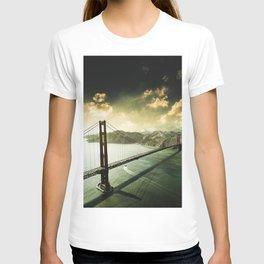golden gate bridge in san francisco T-shirt
