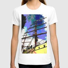 Mast rising towards the sky T-shirt