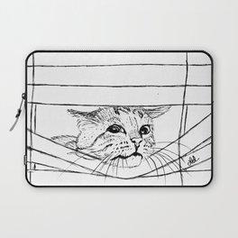 Cat in venitian blind Laptop Sleeve