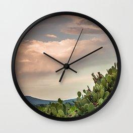 Entre nopales Wall Clock