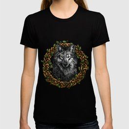 Gray Wolf with Celtic Knotted Oak Border T-shirt