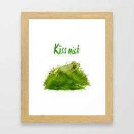 Küss mich Framed Art Print