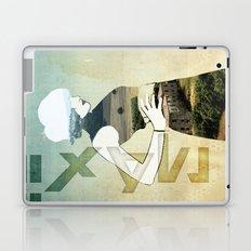 Maxii girl 02 Laptop & iPad Skin