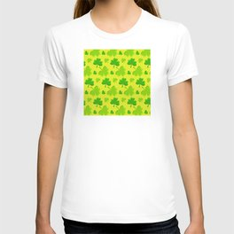 St. Patrick's Day Lucky Green Shamrocks Pattern T-shirt